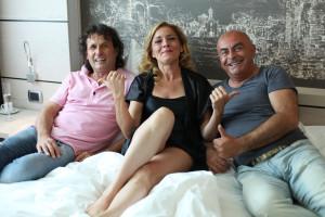 da sx: il cantante e collaboratore Gianni Drudi, Stefania Cento e l'inseparabile Giuliano Monari