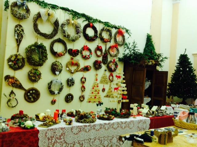 Riciclo e beneficenza: mercatino di Natale pro Scuola Materna di Renazzo