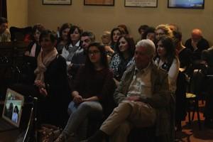 folto pubblico durante l'incontro in Casa Pannini