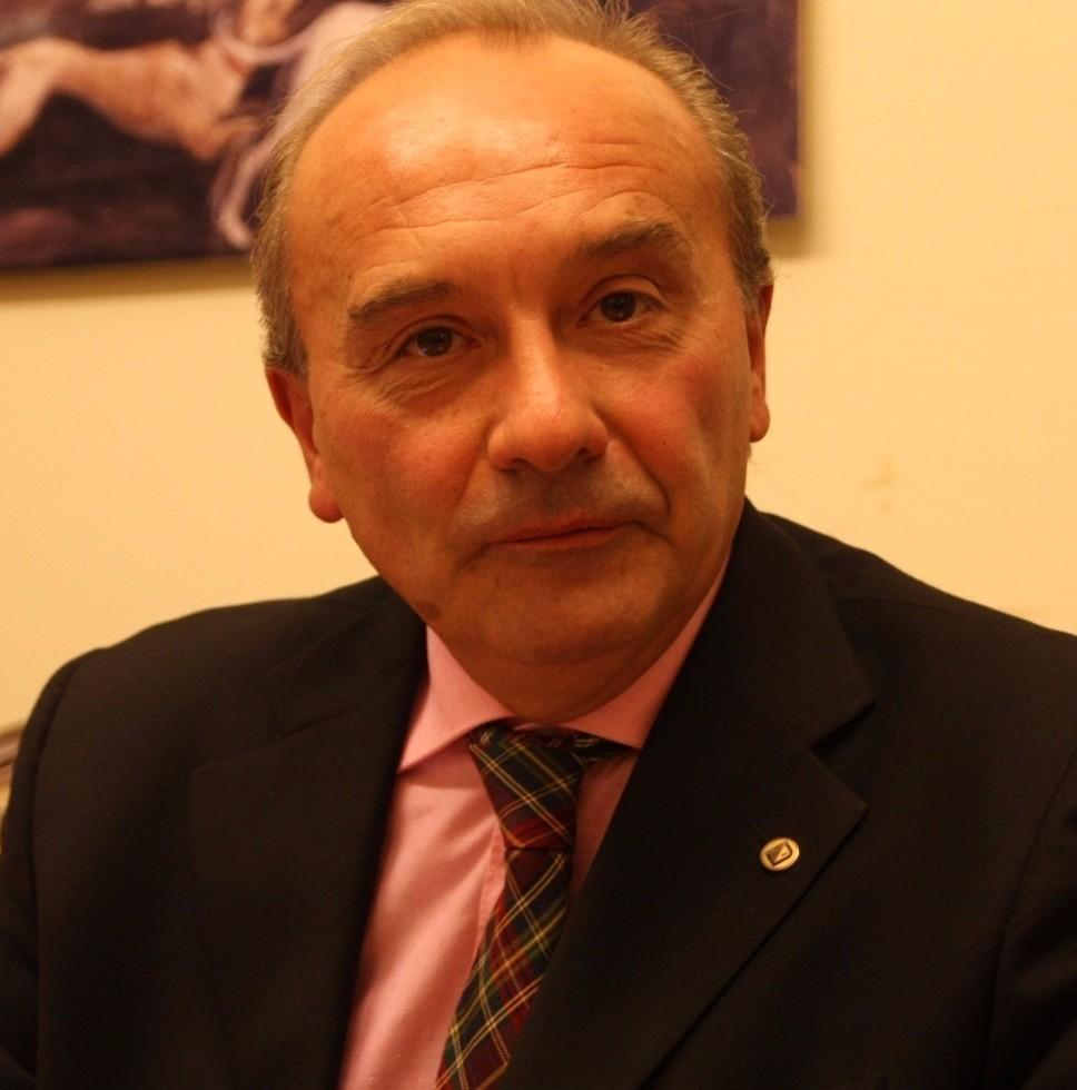 Conferenza stampa dai due volti per Mattarelli (Noi Che…)